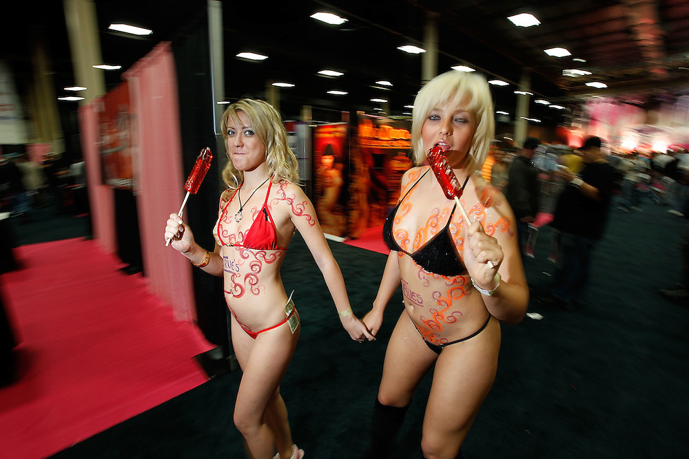 EDISON, NJ - SEPTEMBER 26:  Atmosphere during  day 2 of 2009 Exxxotica New York at the New Jersey Convention and Exposition Center on September 26, 2009 in Edison, New Jersey.  (Photo by Joe Kohen/Getty Images)