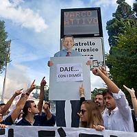 Roma- flash mob contro la pedonalizzazione del Tridente