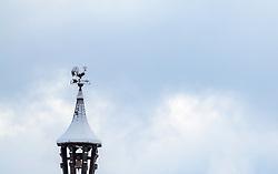 19.04.2017, Kaprun, AUT, Wintereinbruch in Salzburg, im Bild ein Wetterhahn mit Hofglocke, Dachreiter // A weather cock with a court bell on a roof top in Kaprun, Austria on 2017/04/19. EXPA Pictures © 2017, PhotoCredit: EXPA/ JFK
