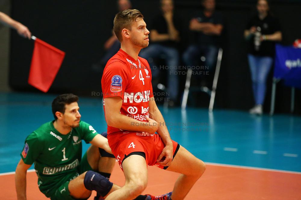 20160505 BEL: Volleybal: Noliko Maaseik - Knack Roeselare, Maaseik  <br />Gijs Jorna baalt zichtbaar.