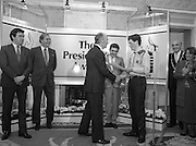 28/10/1985<br /> 10/28/1985<br /> 28 October 1985<br /> Launch of Gaisce The Presidents Award at Aras an Uachtarain. President Dr. Patrick Hillery launched the new national youth award scheme to be the nations highest award to Irish young people aged 15-25. Picture shows David Bregazzi (left) presenting his pledge to President Hillery. Mr John Murphy, Executive Director of the award in centre and Dr. Tony O'Reilly (2nd left) also feature in the image.