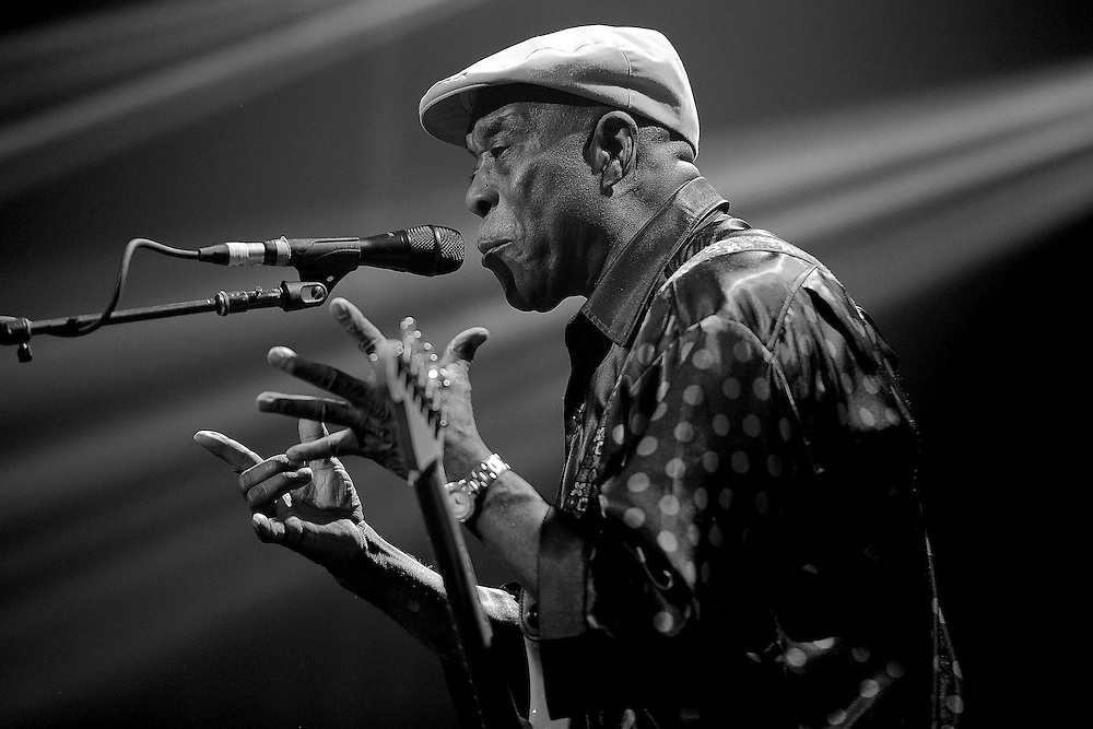 BYRON BAY, AUSTRALIA - APRIL 18:  (EDITORS NOTE: Image has been converted to black and white.) Buddy Guy performs live for fans at the 2014 Byron Bay Bluesfest on April 18, 2014 in Byron Bay, Australia.  (Photo by Matt Roberts/Getty Images)