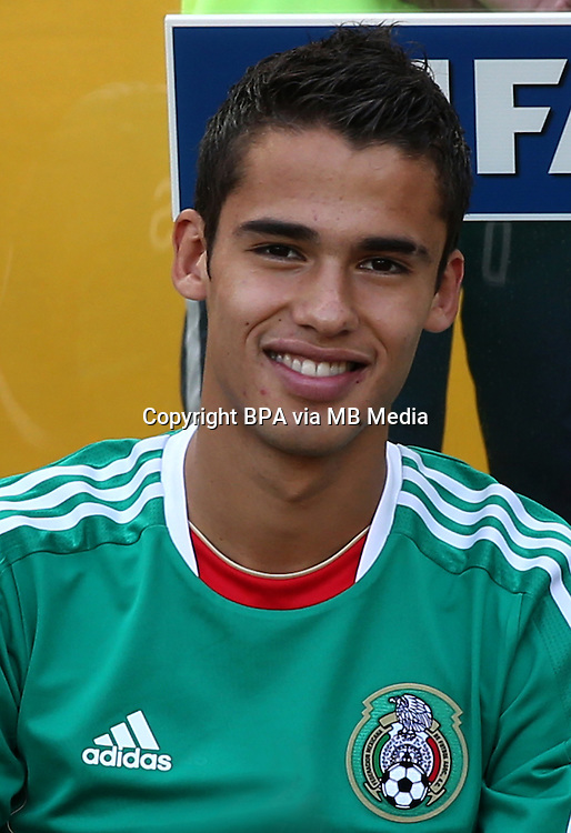 Fifa Brazil 2013 Confederation Cup / Group A Match /<br /> Mexico vs Italy 1-2   ( Jornalista Mario Filho - Maracana Stadium - Rio de Janeiro , Brazil )<br /> Diego REYES of Mexico , During the match between Mexico and Italy