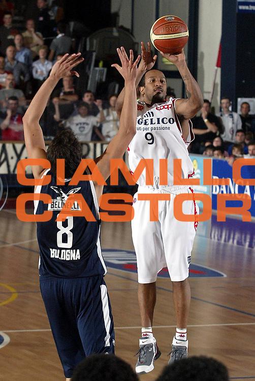 DESCRIZIONE : Biella Lega A1 2005-06 Angelico Biella Climamio Fortitudo Bologna <br />GIOCATORE : Bremer<br />SQUADRA : Angelico Biella<br />EVENTO : Campionato Lega A1 2005-2006<br />GARA : Angelico Biella Climamio Fortitudo Bologna<br />DATA : 04/05/2006<br />CATEGORIA : Tiro<br />SPORT : Pallacanestro<br />AUTORE : Agenzia Ciamillo-Castoria/S.Ceretti<br />Galleria : Lega Basket A1 2005-2006<br />Fotonotizia : Biella Campionato Italiano Lega A1 2005-2006 Angelico Biella Climamio Fortitudo Bologna<br />Predefinita :