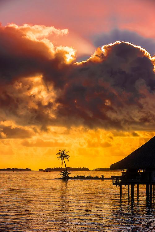 Sunset Bar, Four Seasons Resort Bora Bora, Bora Bora, French Polynesia.