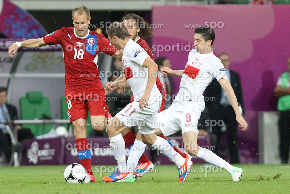 16.06.2012, Staedtisches Stadion, Breslau, POL, UEFA EURO 2012, Tschechien vs Polen, Gruppe A, im Bild DANIEL KOLAR ( L) RAFAL MURAWSK ( C) ROBERT LEWANDOWSKI ( P) // during the UEFA Euro 2012 Group A Match between Czech Republic and Poland at the Municipal Stadium, Wroclaw, Poland on 2012/06/16. EXPA Pictures © 2012, PhotoCredit: EXPA/ Newspix/ Katarzyna Plewczynska..***** ATTENTION - for AUT, SLO, CRO, SRB, SUI and SWE only *****