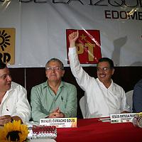 Toluca, Mex.- Líderes políticos nacionales y estatales, así como diputados federales y locales de los partidos izquierdistas del PRD, PT y Convergencia, se reunieron en el Encuentro de la Izquierda en el Estado de México, donde coincidieron en que es necesario unir fuerzas para pelear por la gubernatura en los comicios electorales del 2011 en la entidad mexiquense. Entre los asistentes se encontraban Manuel Camacho Solís, coordinador de dicho evento, Jesús Ortega, líder nacional del sol azteca, Sergio Velarde González, Comisionado Estatal del PT, Luis Sánchez Jiménez líder estatal del PRD, Luis Walton Aburto, presidente del Comité Ejecutivo Nacional de Convergencia, Oscar González Yañez, diputado federal por el Partido del Trabajo, entre otros. Agencia MVT / José Hernández. (DIGITAL)<br /> <br /> NO ARCHIVAR - NO ARCHIVE