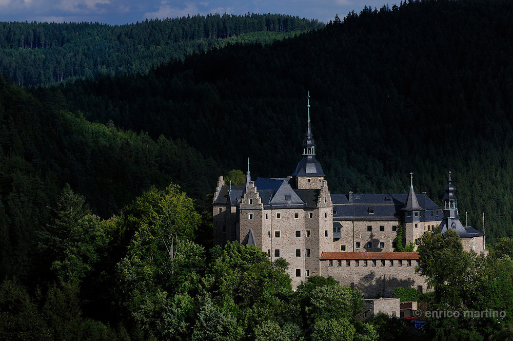 Lauenstein castle, which has sections dating back to the 12th century, on a hill above Ludwigsstadt. This legendary castle, a jewel in the Franconia Forest, rises on top of a forested hill near the Wall that until 1989 divided Bavaria (West) from Thuringia in DDR (German Democraic Republic).