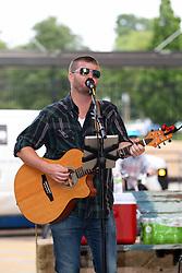Make Music Normal festival - Uptown Normal<br /> <br /> Matt Eckberg - solo