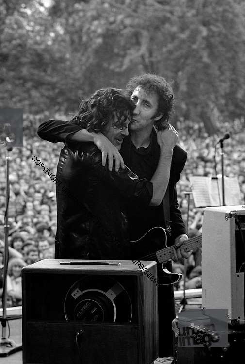 Jim Capaldi with Pete Townsend - Rock For Jobs 1981