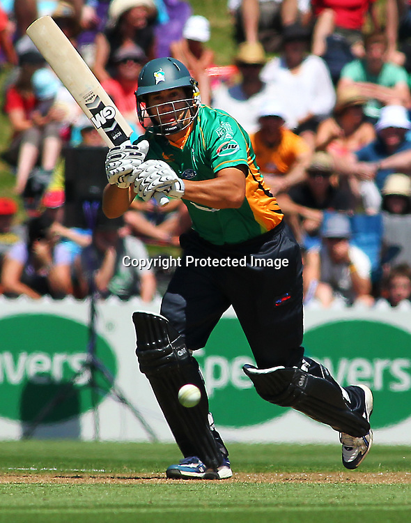 Ross Taylor Batting during their Twenty20 Cricket match - HRV Cup, Wellington Firebirds v Central Stags, 27 December 2011, Hawkins Basin Reserve, Wellington. . PHOTO: Grant Down / photosport.co.nz