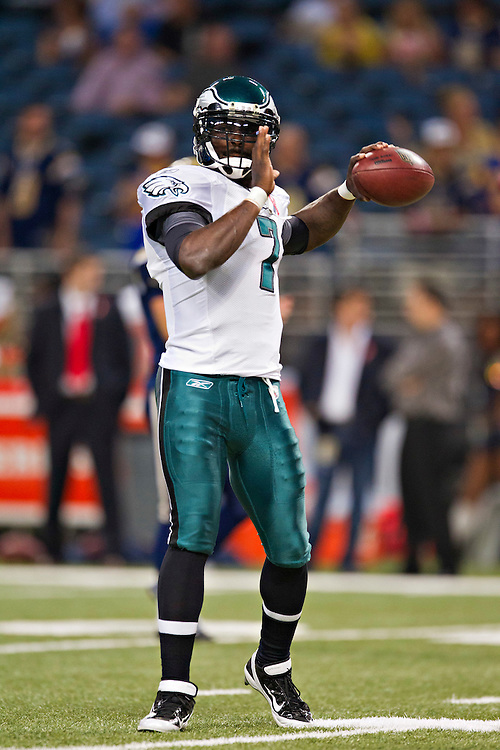 ST. LOUIS, MO - SEPTEMBER 11:   Michael Vick #7 of the Philadelphia Eagles warms up before a game against the St. Louis Rams at the Edward Jones Dome on September 11, 2011 in St. Louis, Missouri.  The Eagles defeated the Rams 31 to 13.  (Photo by Wesley Hitt/Getty Images) *** Local Caption *** Michael Vick