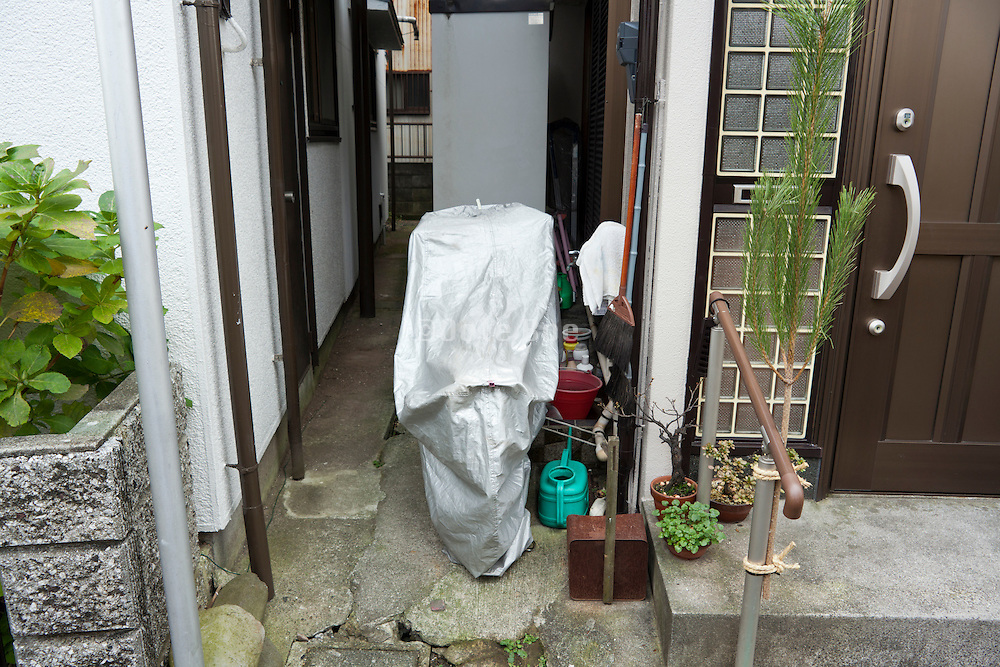 storage at the side of the house Japan
