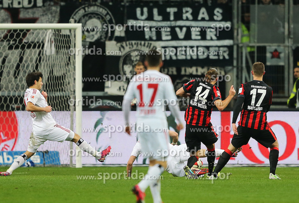 28.02.2015, Commerzbank Arena, Frankfurt, GER, 1. FBL, Eintracht Frankfurt vs Hamburger SV, 23. Runde, im Bild vl. Tor zum 2:1 Alexander Meier (Eintracht Frankfurt) // during the German Bundesliga 23rd round match between Eintracht Frankfurt vs Hamburger SV at the Commerzbank Arena in Frankfurt, Germany on 2015/02/28. EXPA Pictures &copy; 2015, PhotoCredit: EXPA/ Eibner-Pressefoto/ Voelker<br /> <br /> *****ATTENTION - OUT of GER*****
