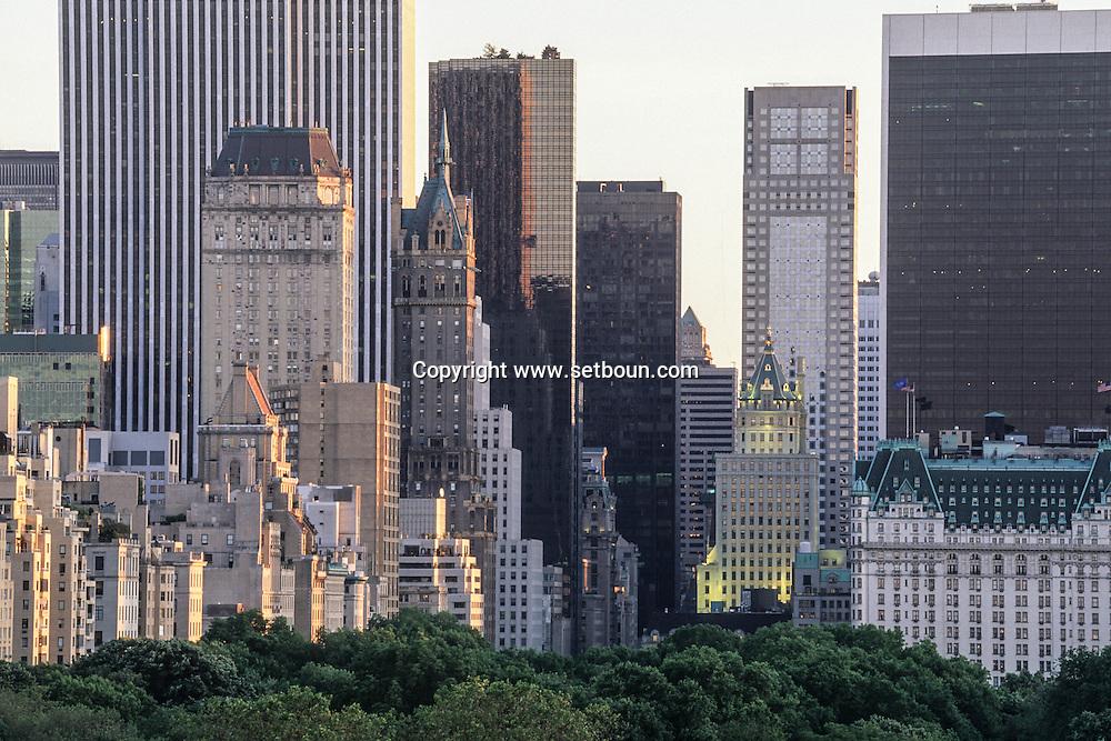 New York. elevated view. on Manhattan sklyline and central park   /  central park et les gratte ciel de Manhattan  New York  USa