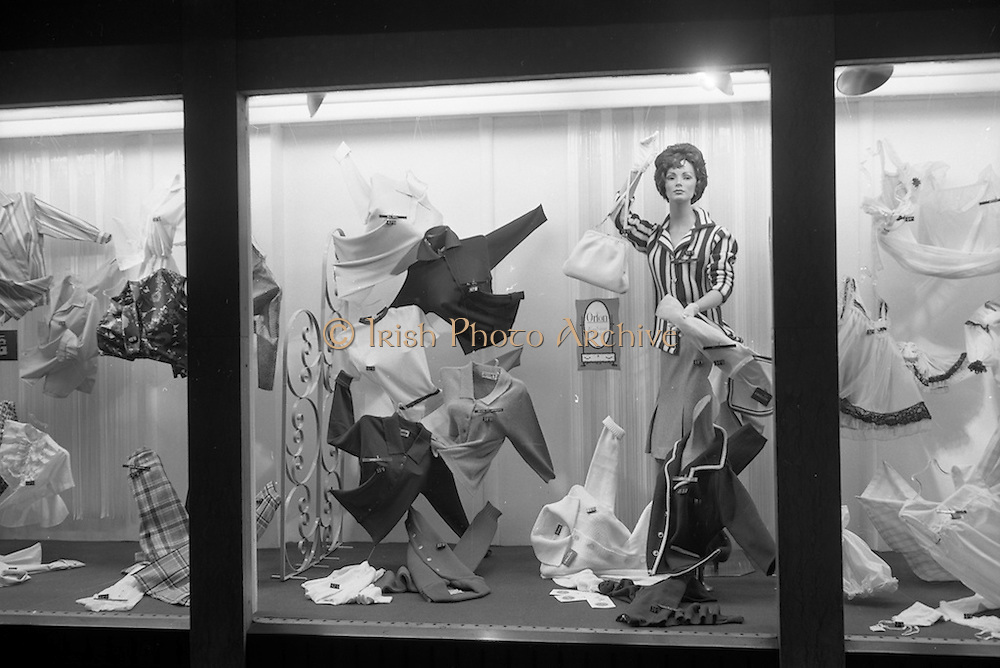 21/03/1963<br /> 03/21/1963<br /> 21 March 1963<br /> Du Pont Orlon fashion window display at Newells of Grafton Street, Dublin