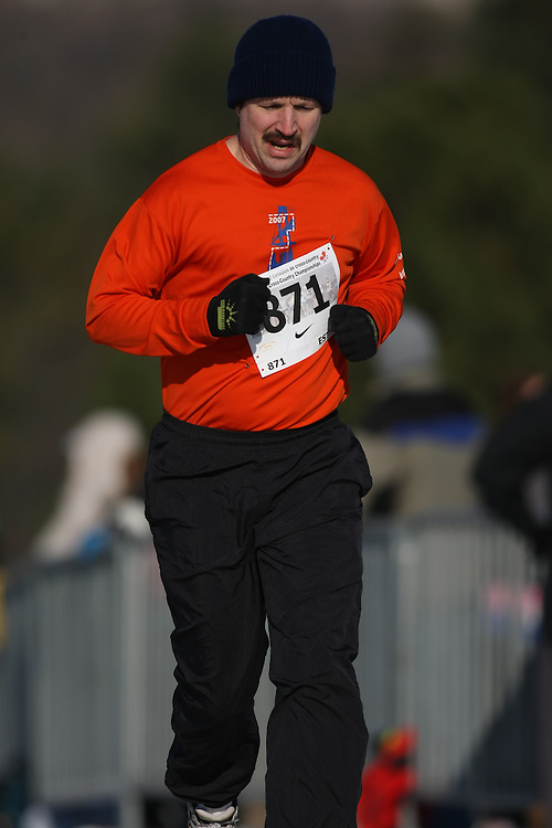 Guelph, Ontario ---29/11/08---  JIM ESTILL runs in the master's race at the 2008 AGSI Canadian Cross Country Championships in Guelph, Ontario, November 29, 2008..Sean Burges Mundo Sport Images