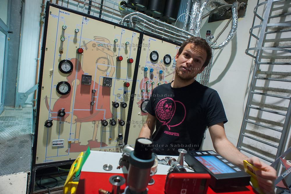 Assergi (l'Aquila), 13/05/2016: Istituto Nazionale Fisica Nucleare, laboratorio dii ricerca astro - particellare del Gran Sasso. Luca Pattavina, responsabile del progetto CUPID.<br /> &copy; Andrea Sabbadini