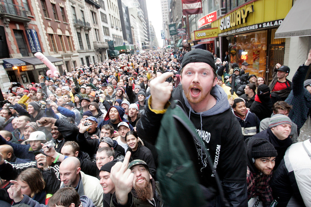 Fans of Howard Stern react durring a rally to celebrate the final broadcast on FM radio in New Yorkspeaks to the crowd durring a rally 16 December 2005.After 21 years on the air and millions of dollars of fines from the FCC, Stern signed a $500 million 5-year deal with the largely unregulated  Sirius satellite radio which begins broadcasts