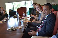 11/2/15 – Medford/Somerville, MA –Somerville Mayor Joseph Curtatone speaks to a group of Tufts students at a lunch organized by the Tisch College on Monday, Nov. 2, 2015. (Sofie Hecht / The Tufts Daily)