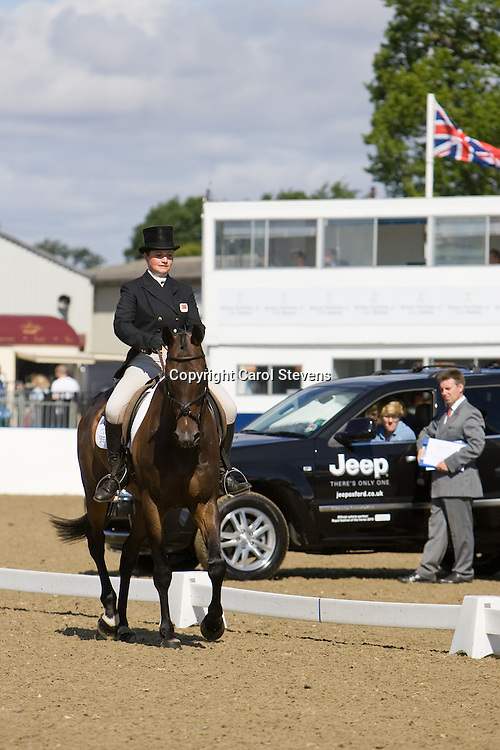 Alice Pearson and Beau Bear   Express Eventing 2010