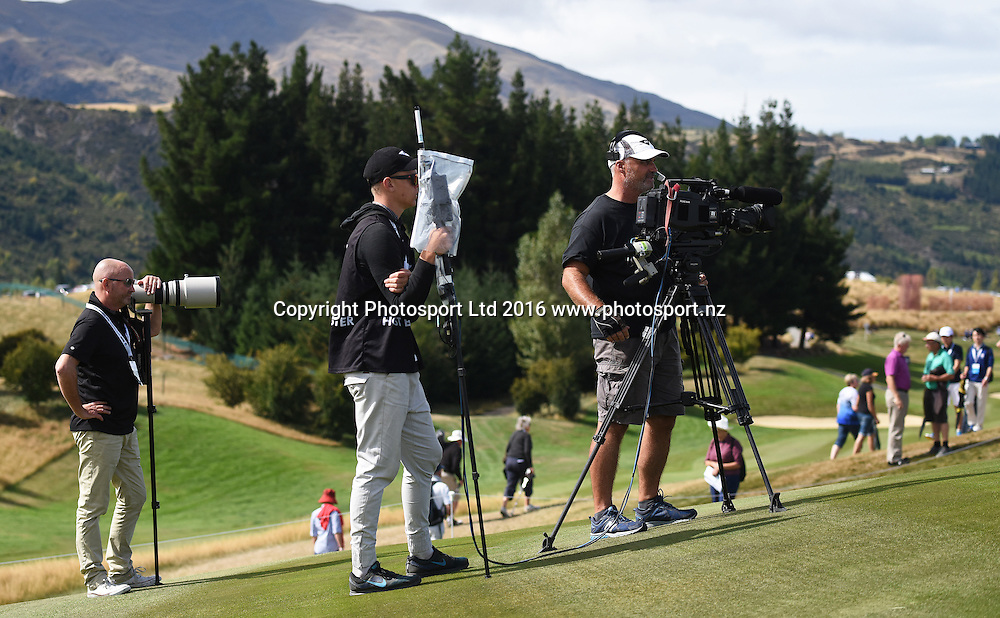 Media during round 4 at The Hills during 2016 BMW ISPS Handa New Zealand Open. Sunday 13 March 2016. Arrowtown, New Zealand. Copyright photo: Andrew Cornaga / www.photosport.nz