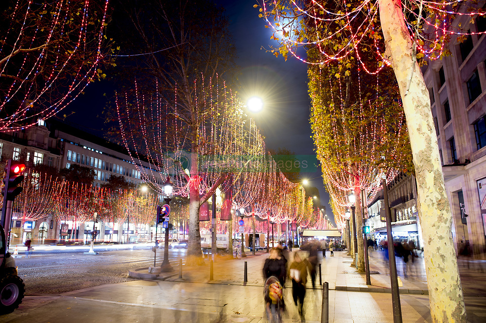 November 22, 2018 - Paris, France, France - Illumination de Noel des Champs Elysees (Credit Image: © Panoramic via ZUMA Press)