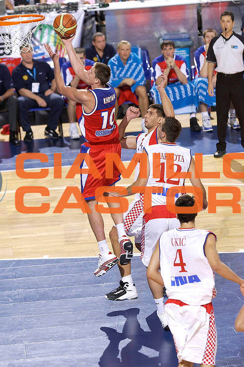 DESCRIZIONE : Madrid Spagna Spain Eurobasket Men 2007 Qualifying Round Croazia Russia Croatia Russia <br /> GIOCATORE : Victor Khryapa <br /> SQUADRA : Russia <br /> EVENTO : Eurobasket Men 2007 Campionati Europei Uomini 2007 <br /> GARA : Croazia Russia Croatia Russia <br /> DATA : 11/09/2007 <br /> CATEGORIA : Tiro <br /> SPORT : Pallacanestro <br /> AUTORE : Ciamillo&amp;Castoria/JF.Molliere <br /> Galleria : Eurobasket Men 2007 <br /> Fotonotizia : Madrid Spagna Spain Eurobasket Men 2007 Qualifying Round Croazia Russia Croatia Russia <br /> Predefinita :