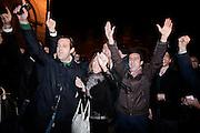 ROMA. GIOVANI SOSTENITORI DEL PDL SI SCONTRANO VERBALMENTE CON DIMOSTRANTI DI SINISTRA MENTRE ATTENDONO L'ARRIVO A PALAZZO GRAZIOLI DEL PREMIER DIMISSIONARIO SILVIO BERLUSCONI;