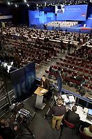 18 NOV 2003, BOCHUM/GERMANY:<br /> Fernsehstudio gegenueber der Buehne, SPD Bundesparteitag, Ruhr-Congress-Zentrum<br /> IMAGE: 20031118-01-113<br /> KEYWORDS: Parteitag, party congress, SPD-Bundesparteitag, Journalist, Journalisten,
