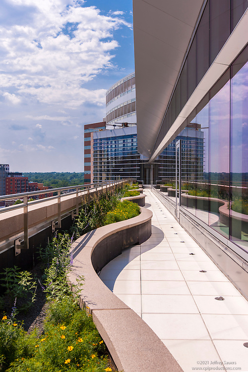 VA Archtectural Exterior of 3001 Washington Boulevard in Arlington Virginia by Jeffrey Sauers of Commercial Photographics, Architectural Photo Artistry in Washington DC, Virginia to Florida and PA to New England