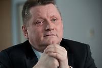 11 JAN 2012, BERLIN/GERMANY:<br /> Hermann Groehe, CDU Generalsekretaer, waehrend einem Interview, in seinem Buero, Konrad-Adenauer-Haus<br /> IMAGE: 20120111-01-035<br /> KEYWORDS: Hermann Gröhe, Büro