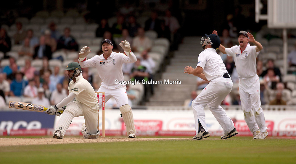 Imran Farhat is out lbw to Graeme Swann during the third npower Test Match between England and Pakistan at the Oval.  Photo: Graham Morris (Tel: +44(0)20 8969 4192 Email: sales@cricketpix.com) 21/08/10