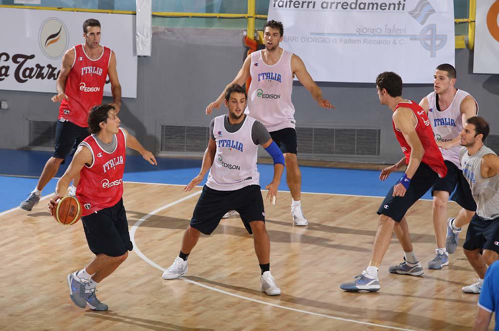 Cagliari, 04/08/2009<br /> Allenamenti Nazionale Italiana Maschile Senior<br /> Nella foto: Marco Mordente<br /> Foto Ciamillo