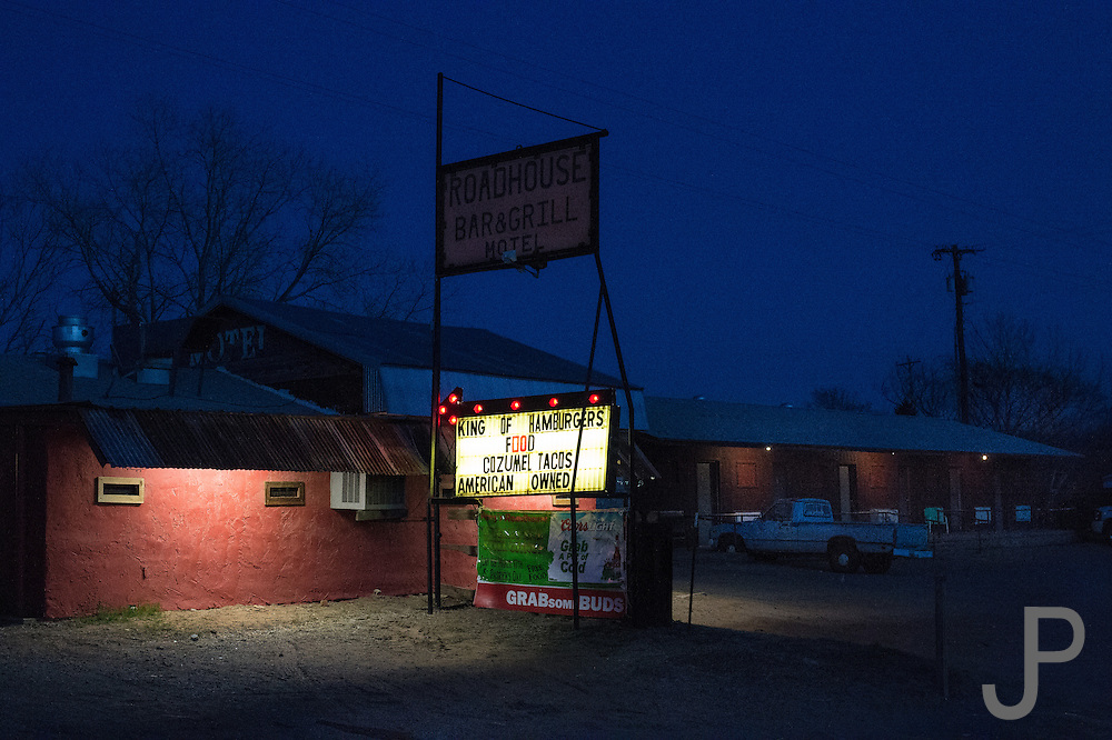 Roadhouse Bar and Grill in Crescent, Oklahoma at sunset