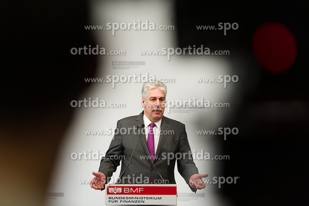 "14.03.2016, Finanzministerium, Wien, AUT, Bundesregierung, Pressekonferenz zum Thema ""Kärntner Rückkaufangebot"" zur HETA, im Bild Bundesminister für Finanzen Hans Jörg Schelling (ÖVP) // Austrian Minister of Finance Hans Joerg Schelling  during press conference according to Heta, former known as Hypo Alpe Adria in Vienna, Austria on 2016/03/14, EXPA Pictures © 2016, PhotoCredit: EXPA/ Michael Gruber"