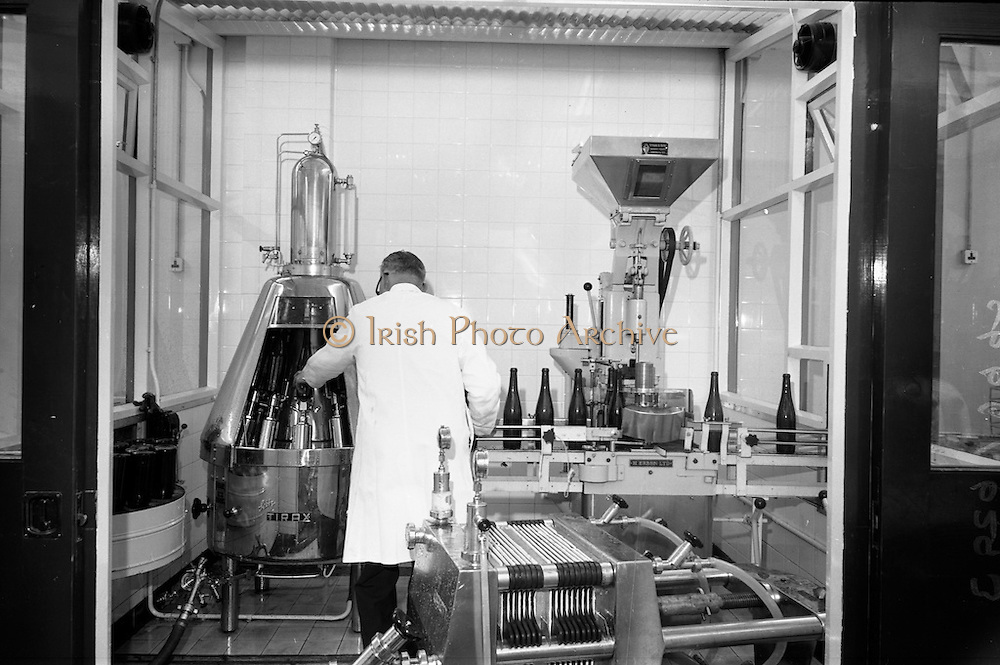 24/05/1966<br /> 05/24/1966<br /> 24 May 1966<br /> Grants of Ireland Ltd. wine bottling plant at Chapelizod, Dublin. View of some machinery in the plant.