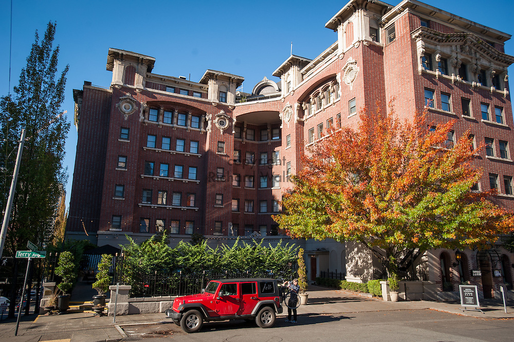 2016 October 11 - Exterior of the Sorrento Hotel, First Hill, Seattle, WA, USA. By Richard Walker