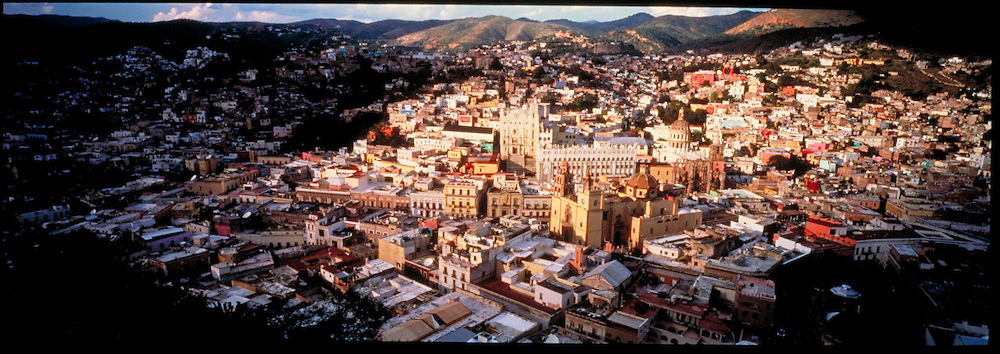 MEXICO, COLONIAL CITIES Guanajuato; overview of the city