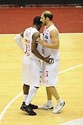 DESCRIZIONE : Milano Lega A 2011-12 EA7 Emporio Armani Milano Umana Venezia Play off gara 1<br /> GIOCATORE : Justin Dentmon<br /> CATEGORIA : fair play<br /> SQUADRA : EA7 Emporio Armani Milano<br /> EVENTO : Campionato Lega A 2011-2012 Play off gara 1 <br /> GARA : EA7 Emporio Armani Milano Umana Venezia<br /> DATA : 18/05/2012<br /> SPORT : Pallacanestro <br /> AUTORE : Agenzia Ciamillo-Castoria/ GiulioCiamillo<br /> Galleria : Lega Basket A 2011-2012  <br /> Fotonotizia : Milano Lega A 2011-12 EA7 Emporio Armani Milano Umana Venezia Play off gara 1<br /> Predefinita :