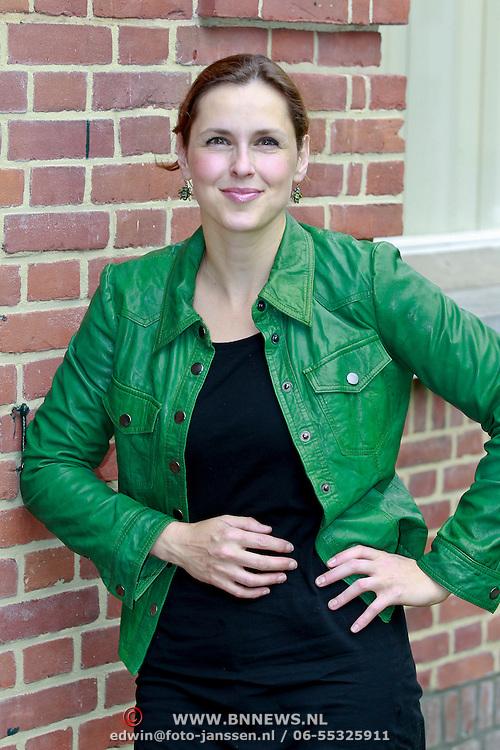 NLD/Hilversum/20110615 - Presentatie AVRO Een Zomer vol Kunst en Cultuur, Anniko van Santen