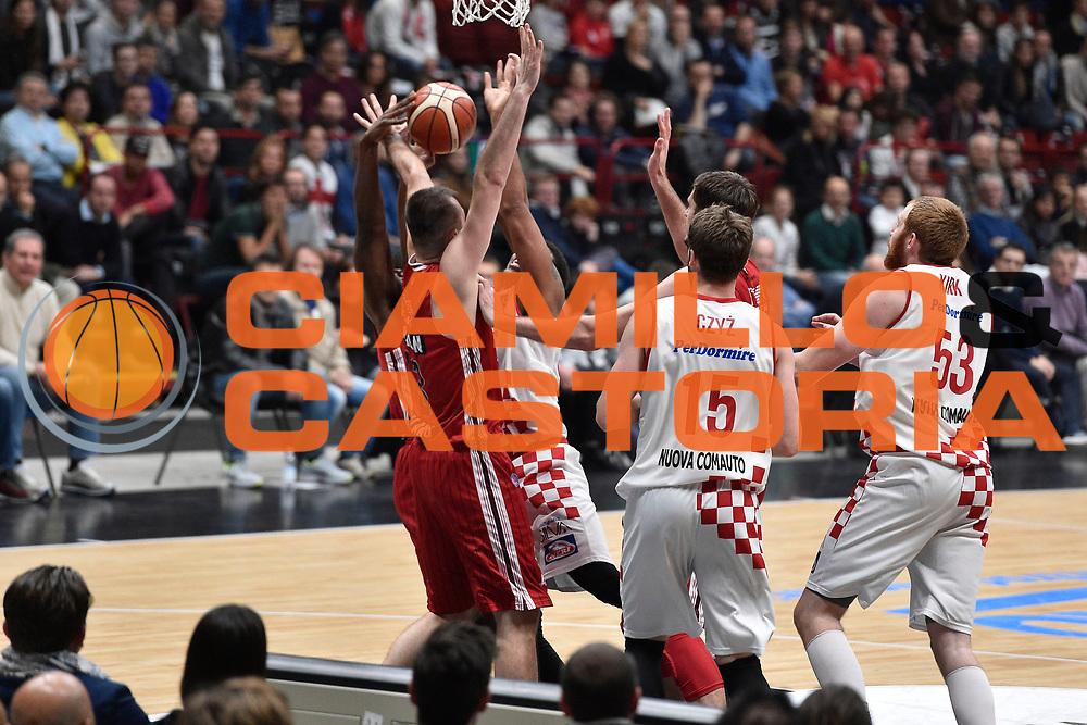 DESCRIZIONE : Milano Lega A 2015-16 EA7 Emporio Armani Milano Giorgio Tesi Group Pistoia<br /> GIOCATORE : Wayne Blackshear<br /> CATEGORIA : <br /> SQUADRA : Giorgio Tesi Group Pistoia<br /> EVENTO : Campionato Lega A 2015-2016<br /> GARA : EA7 Emporio Armani Milano Giorgio Tesi Group Pistoia<br /> DATA : 01/11/2015<br /> SPORT : Pallacanestro <br /> AUTORE : Agenzia Ciamillo-Castoria/GiulioCiamillo<br /> Galleria : Lega Basket A 2015-2016<br /> Fotonotizia : Milano Lega A 2015-16 EA7 Emporio Armani Milano Giorgio Tesi Group Pistoia