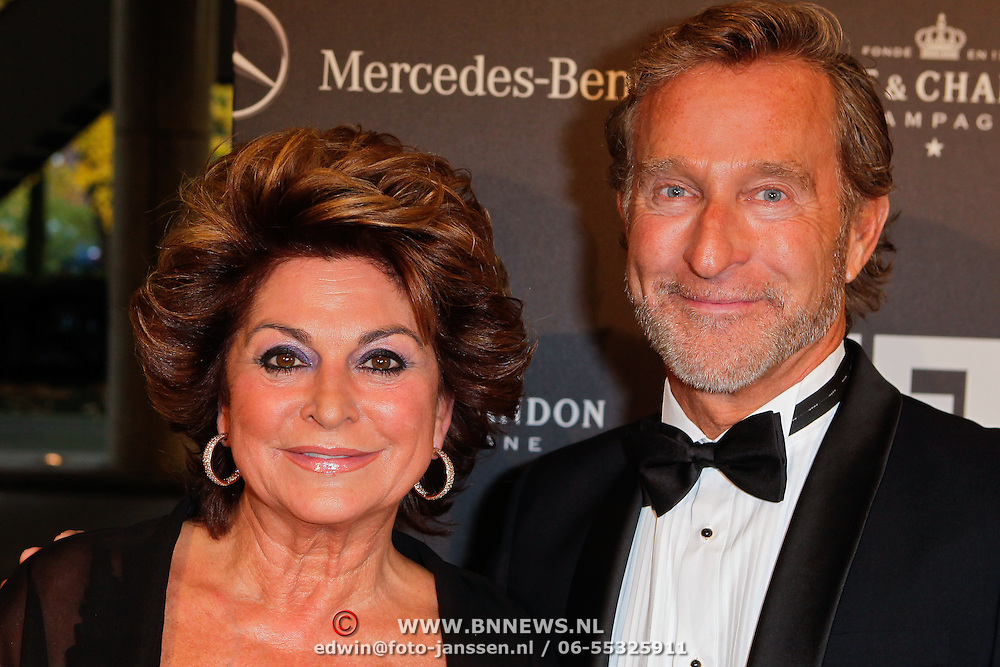 NLD/Amsterdam/20111029- JFK Greatest Man Award 2011, Christine Kroonenberg en ………….