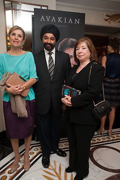 DR. HARPAL KUMAR; HAYAT PALUMBO; LYNNA KALO, The Foreign Sisters lunch sponsored by Avakian in aid of Cancer Research UK. The Dorchester. 15 May 2012