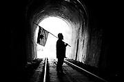 """Javier Milanca, músico, cantor, poeta y escritor de micro ficciones escritas en español y mapuzungún. Es profesor de Historia y Cs. Sociales además de Educador intercultural para la Educación Básica.<br /> Sus temas son el vivir y el devenir de los olvidados, desplazados y postergados, la """"mapuchada"""" y el Realismo Social sin pomposidad. Los Lagos, Región de Los Ríos, Chile. 05-04-2018 (©Alvaro de la Fuente/Dialogo)"""