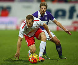 07.11.2015, Generali Arena, Wien, AUT, 1. FBL, FK Austria Wien vs FC Red Bull Salzburg, 15. Runde, im Bild Christian Schwegler (FC Red Bull Salzburg) und Philipp Zulechner (FK Austria Wien) // during Austrian Football Bundesliga Match, 15th Round, between FK Austria Vienna and FC Red Bull Salzburg at the Generali Arena, Vienna, Austria on 2015/11/07. EXPA Pictures © 2015, PhotoCredit: EXPA/ Thomas Haumer