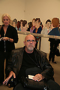 Chuck Close, Alex Katz 'One Flight Up' at the new Timothy Taylor Gallery , 15 Carlos Place. London. 11 October 2007. -DO NOT ARCHIVE-© Copyright Photograph by Dafydd Jones. 248 Clapham Rd. London SW9 0PZ. Tel 0207 820 0771. www.dafjones.com.