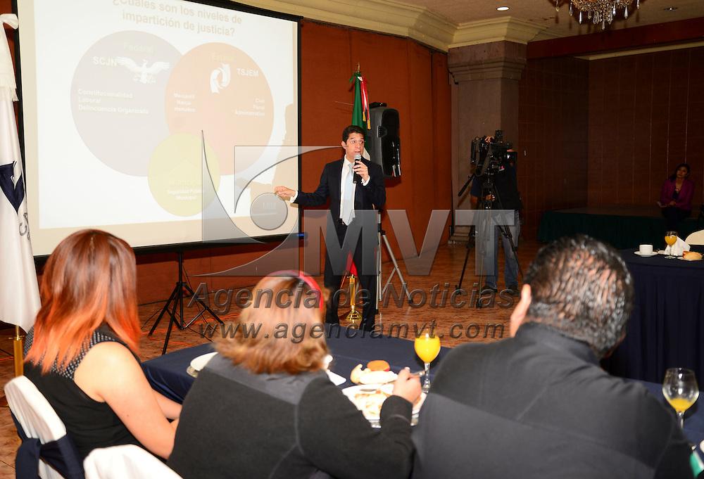 Metepec, México.- Sergio Javier Medina Peñaloza, presidente del TSJEM  sostuvo una reunión con los integrantes de CANACO-SERVITUR, durante su sesion. Agencia MVT / Crisanta Espinosa