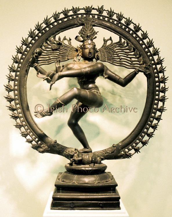 Hindu god Shiva (Siva). 16th century Chloa bronze representation of Shiva in the dance of creation. Indian.