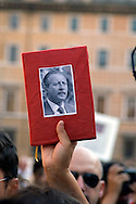 "Roma 26 Settembre 2009.Manifestazione per ""Agenda Rossa"",l'agenda sottratta al magistrato Paolo Borsellino ucciso dalla mafia nel 1992 e per giustizia e verità sulle stragi di mafia..Demonstration for ""Red Agenda"", the notebook escaped to the magistrate Paolo Borsellino killed by the mafia in 1992 and for justice and truth on the slaughters of mafia.."